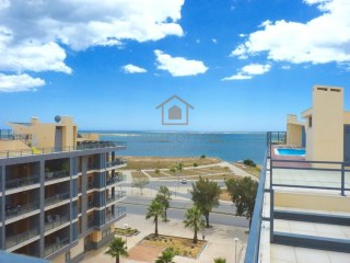 Modern 2 Bedroom Apartment with Pool and Sea Views in Olhao, Central Algarve | 2 Bedrooms | 2WC