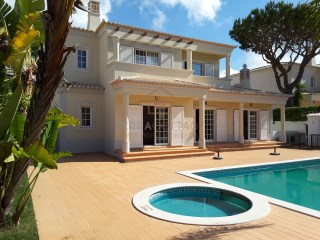 Four Bedroom Villa, with Swimming Pool, Central Algarve | 4 Bedrooms | 4WC