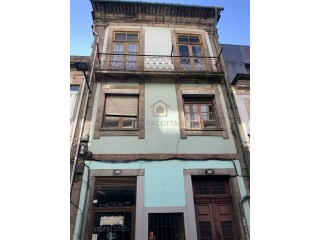 Building in the City Centre of Porto |