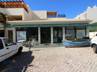2 Shops in Olhos de Agua - Excellent Investment |