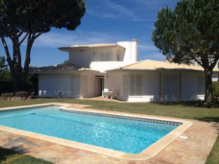 Cozy 3 bedroom Villa close to Vale do Lobo for rent with spacious garden | 3 Bedrooms | 3WC
