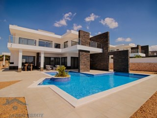 Luxury 4 bedroom villa with sea view in construction, Pera, Algarve | 2 Bedrooms + 2 Interior Bedrooms | 4WC