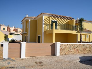 3 bedroom villa of excellent quality in Algoz, Algarve | 2 多个卧室 + 1 室内装饰卧室 | 3WC