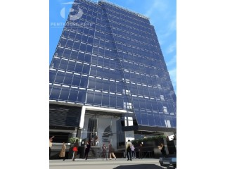 Exclusive rental offices in the best commercial area of San Isidro |