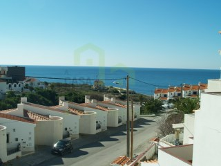 Villa Bi-familar T5 with fantastic view of sea in the Centre of the village of Ericeira | 5 Bedrooms | 4WC