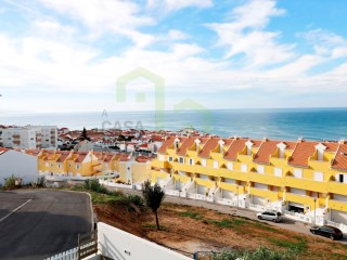 4 bedroom villa with fantastic sea view, located at less than 1km from the center of Ericeira, close to all kinds of shops and public transport. | 4 Bedrooms | 4WC