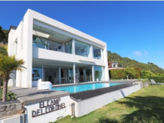 Villa with panoramic sea and mountain views in Cabrils