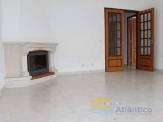 Excellent apartment of 3 rooms, in the Centre of Mafra. | 2 Bedrooms | 1WC
