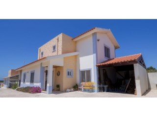 House 4-5 KM FROM ERICEIRA | 3 Bedrooms | 3WC