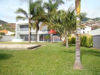 House › Câmara de Lobos | 3 Bedrooms + 1 Interior Bedroom | 4WC