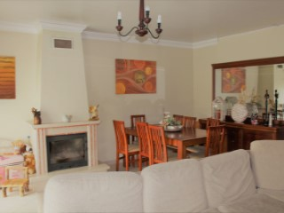 3 bedroom apartment with parking | 3 Bedrooms | 2WC