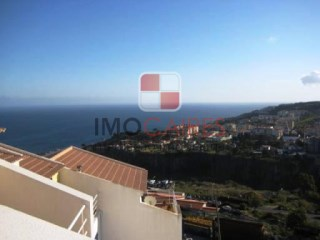 Terraced House › Santa Cruz | 3 Bedrooms + 1 Interior Bedroom | 3WC