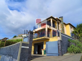 House › Ribeira Brava | 3 Bedrooms | 4WC
