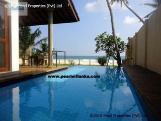 Beach Villa with 3 Bedrooms/ Habaraduwa | 3 Bedrooms | 3WC