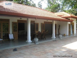 BEAUTIFUL COLONIAL VILLA WITH 3 BEDROOM WITH POOL IN LOCATED BERUWALA | 3 Bedrooms | 2WC