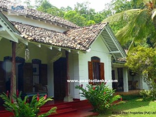 RENOVATED BEAUTIFUL ANTIQUE SRI LANKAN 3 BEDROOM VILLA | 4 Pièces