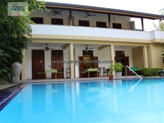 HIKKADUWA TOURIST AREA VILLA WITH  2 SEPARATE APARTMENT/ 2 A/C DOUBLE ROOMS & 1 JUNIOR- SUITE WITH POOL 32 PERCHES/SQ.M 800