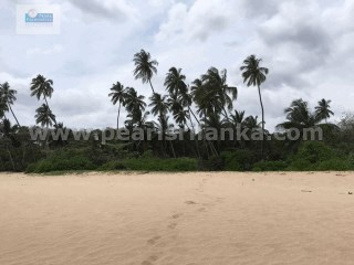 REKAWA EXTRAORDINARILY BEAUTIFUL BEACH PROPERTY/400 PERCHES/SQ.M 10000 |