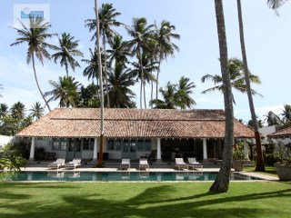 Beautiful 3 Bedroom Beach Villa in Galle |