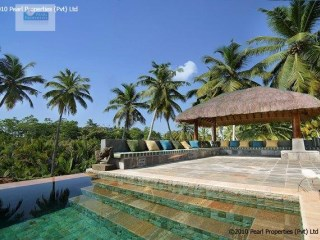 3 Bedroom Luxury Villa with Pool, Close to the surf breaks of Welligama |