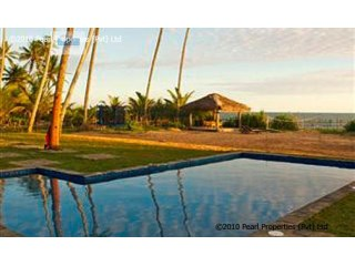 3 Bedroom Beach Villa with Pool |