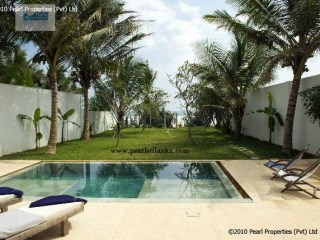 2 Bedroom Beautiful Contemporary Beach Villa |
