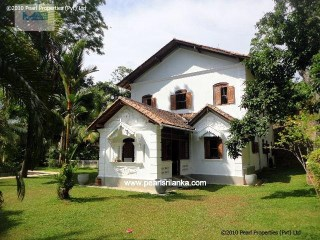 4 Bedroom newly Refurbished Antique Style Villa, Galle Area |