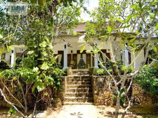 Beautiful 8 Bedroom Private Villa with Pool; Galle Area |