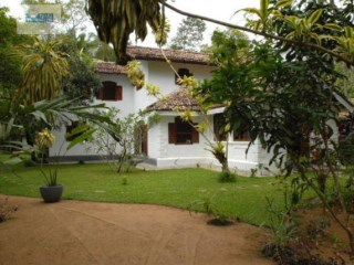 6 Bedroom Luxury Colonial Villa with Pool, Galle |