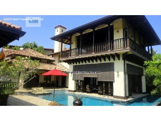 5 Bedroom, Boutique Villa at Unawatuna Beach |