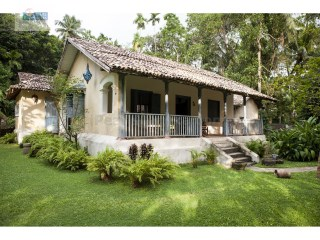 UNIQUE TRADITIONAL COURTYARD 4 BEDROOM HOUSE / SWIMMING POOL |