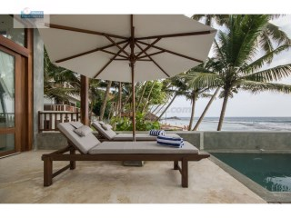 2 Bedroom Beach Villa with Pool in Unawatuna | 3 Pièces