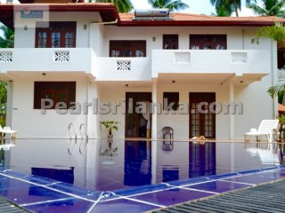 Villa with 5 Bedrooms & Swimming Pool only 5 minutes walk to the Beach.(64 Perches/Sq.m 1600) | 5 Bedrooms