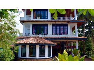 Hikkaduwa Hotel with 14 A/C bedrooms & ensuite Bathrooms with Sea View. |