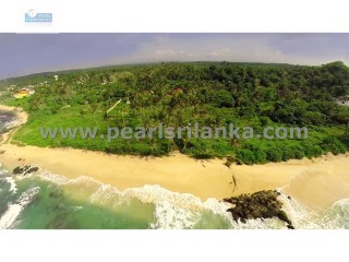 MIRISSA /BEACH FRONT/ BUILDING PLOT/720 PERCHES ( Sq.m 18210) |