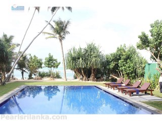 A Spacious 7 Bedroom Luxury Beach Villa, Galle area |