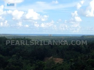 WELIGAMA INLAND WITH SEA VIEW / HILL TOP LAND |