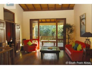 4 Bedroom Beach Villa with Pool, Galle | 4 Bedrooms | 3WC