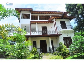 HIKKADUWA HOUSE WITH 4 BEDROOM / 22 PERCHES ( SQ.M 550) | 5 Bedrooms | 5WC