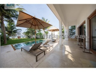 BEACH / LUXURY 3 BEDROOM BEACH VILLA WITH POOL WITH 32 PERCHES IN AHANGAMA / GALLE AREA.  | 4 Pièces | 4WC