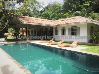 BEAUTIFUL COLONIAL STYLE VILLA WITH 4 BEDROOM WITH POOL ( 110 PERCHES/SQ.M 2750)  | 4 Bedrooms | 4WC