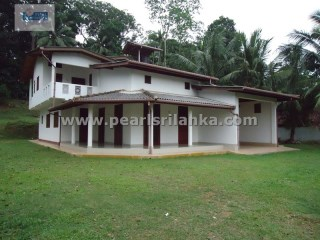 GALLE AREA 5 BEDROOMS HOUSE   | 5 Bedrooms + 2 Interior Bedrooms | 4WC