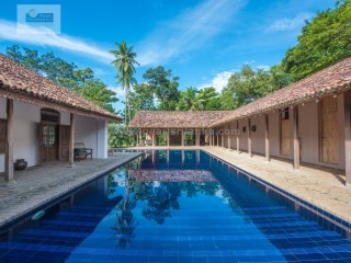TANGALLE/ BEAUTIFUL RENOVATED ANTIQUE WALAUWA WITH POOL | 6 Pièces | 4WC