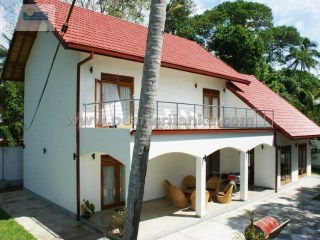 BEAUTIFUL & MODERN 3 BEDROOM VILLA IN HIKKADUWA/ 29 PERCHES (SQ.M 725) | 4 Pièces | 3WC