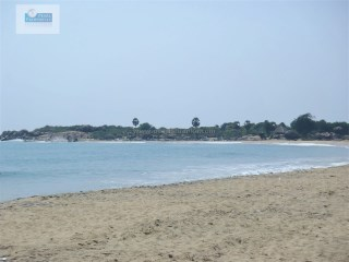 EXTRAORDINARILY BEAUTIFUL BEACH PROPERTY/ EAST COAST/WISKY POINT (2 ACRES/SQ.M8000) |