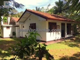 Charming 3 Bedroom House, Unawatuna | 3 Bedrooms