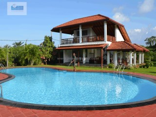 LUXURY 12 BUNGALOW BOUTIQUE RESORT ON BENTOTA LAKE / 3 ACRES/ (SQ.M 11,200) |