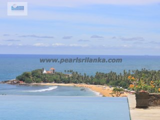 STUNNING SEA-VIEW 5 BEDROOM VILLA WITH POOL & NATURAL BIG POND ON THE HILLS OF UNAWATUNA 