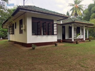 Four Bedroom House with a Pool on an Estate, Galle  | 5 Pièces | 2WC