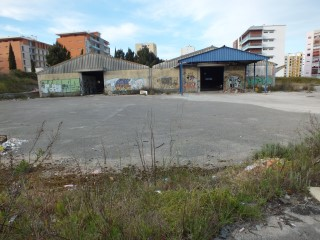 Property of Bank-warehouse in Setúbal-Special Financing |